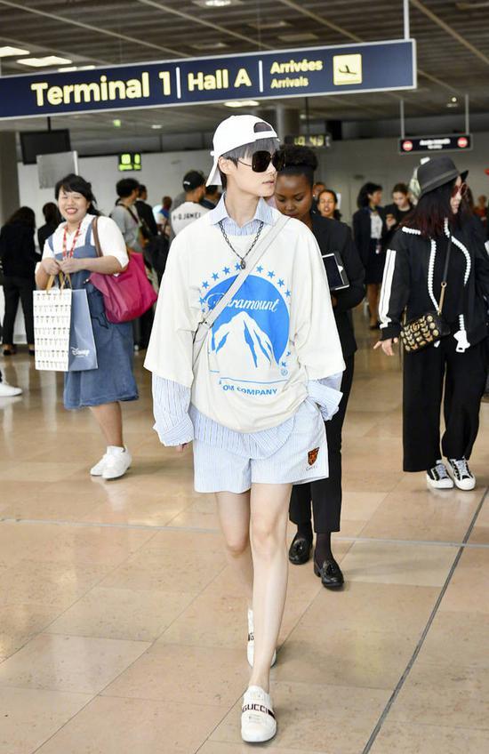 李宇春 in Gucci