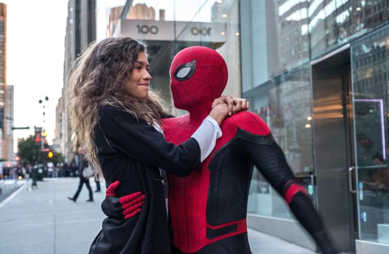 在最新的《蜘蛛侠:英雄远征》中,蜘蛛侠承担起了拯救世界的使命。