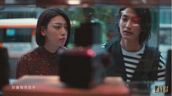渡边圭佑、三吉彩花是在阿信推荐下出现担纲男女主角。
