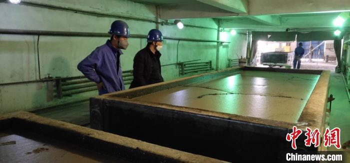 酒钢循环利用矿渣、粉煤灰:重新配置物可作为水泥替代品